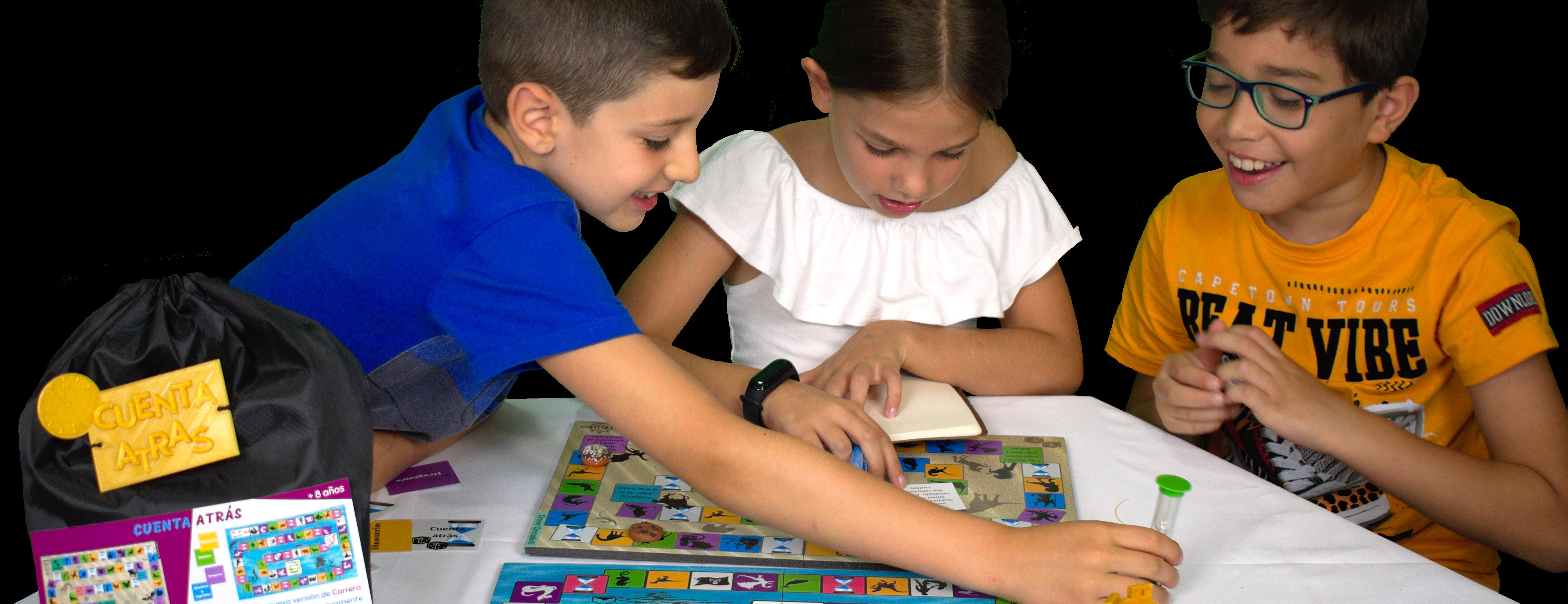 Somos especialistas en creación propia y venta de juegos matemáticos y de ingenio para todas las edades